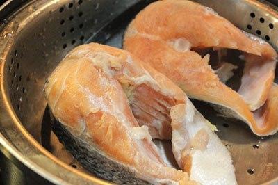 công thức nấu cháo và ruốc cá hồi cho bé 3