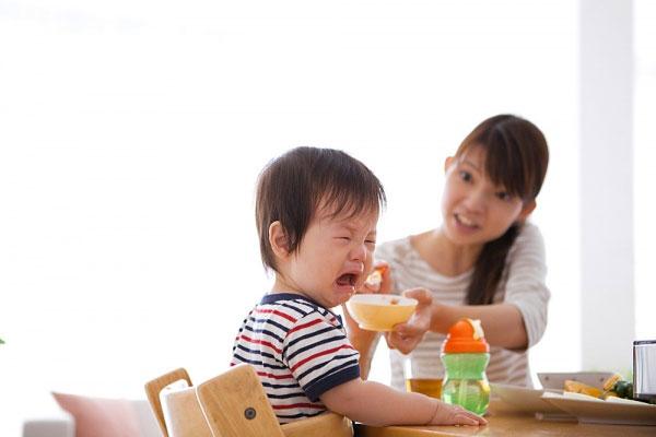 nguyên nhân trẻ biếng ăn 1