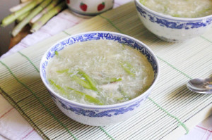 Món ngon cho bé: Súp măng tây và súp cua măng tây