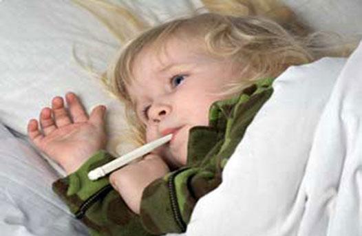 trẻ bị sốt cao 5