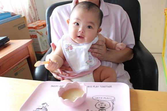 So sánh 2 phương pháp ăn dặm kiểu Nhật và ăn dặm BLW (Baby Led Weaning)