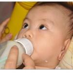 Nhu cầu về năng lượng và chế độ dinh dưỡng cho trẻ từ sơ sinh đến 1 tuổi