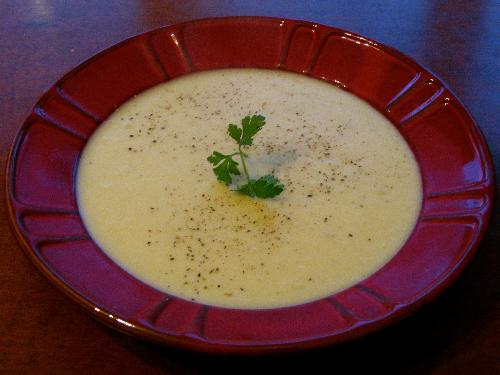 Hướng dẫn chế biến 6 món súp khoai tây thơm ngon cho trẻ biếng ăn ăn dặm