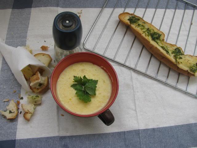Cách nấu món súp khoai tây kem tươi bổ dưỡng cho bé yêu ăn dặm