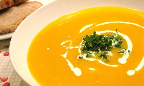 Cách nấu súp khoai tây bí đỏ và súp khoai tây đậu hà lan cho bé ăn dặm