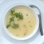 Hướng dẫn mẹ cách làm món súp khoai tây phô mai cho bé biếng ăn