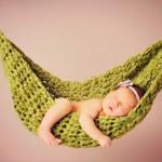 Có nên cho trẻ sơ sinh nằm quạt, ngủ võng?