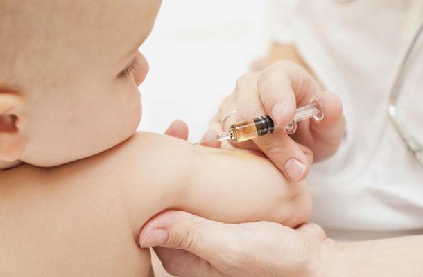 Lịch tiêm chủng cho trẻ sơ sinh theo chuẩn quốc gia và chuẩn mở rộng